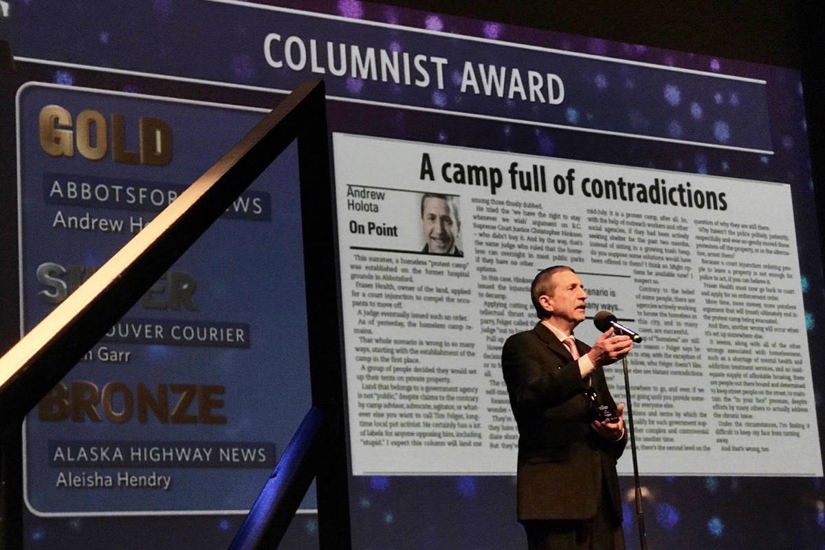 FILE – Abbotsford News editor Andy Holota takes home the columnist award at the 2017 Ma Murrays. (Arnold Lim/Black Press)