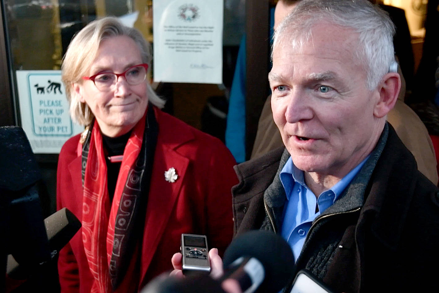 B.C. Indigenous Relations Minister Scott Fraser and Crown-Indigenous Relations Minister Carolyn Bennett speak briefly to the press following Thursday's discussions with the Wet'suwet'en hereditary chiefs. (Quinn Bender photo)