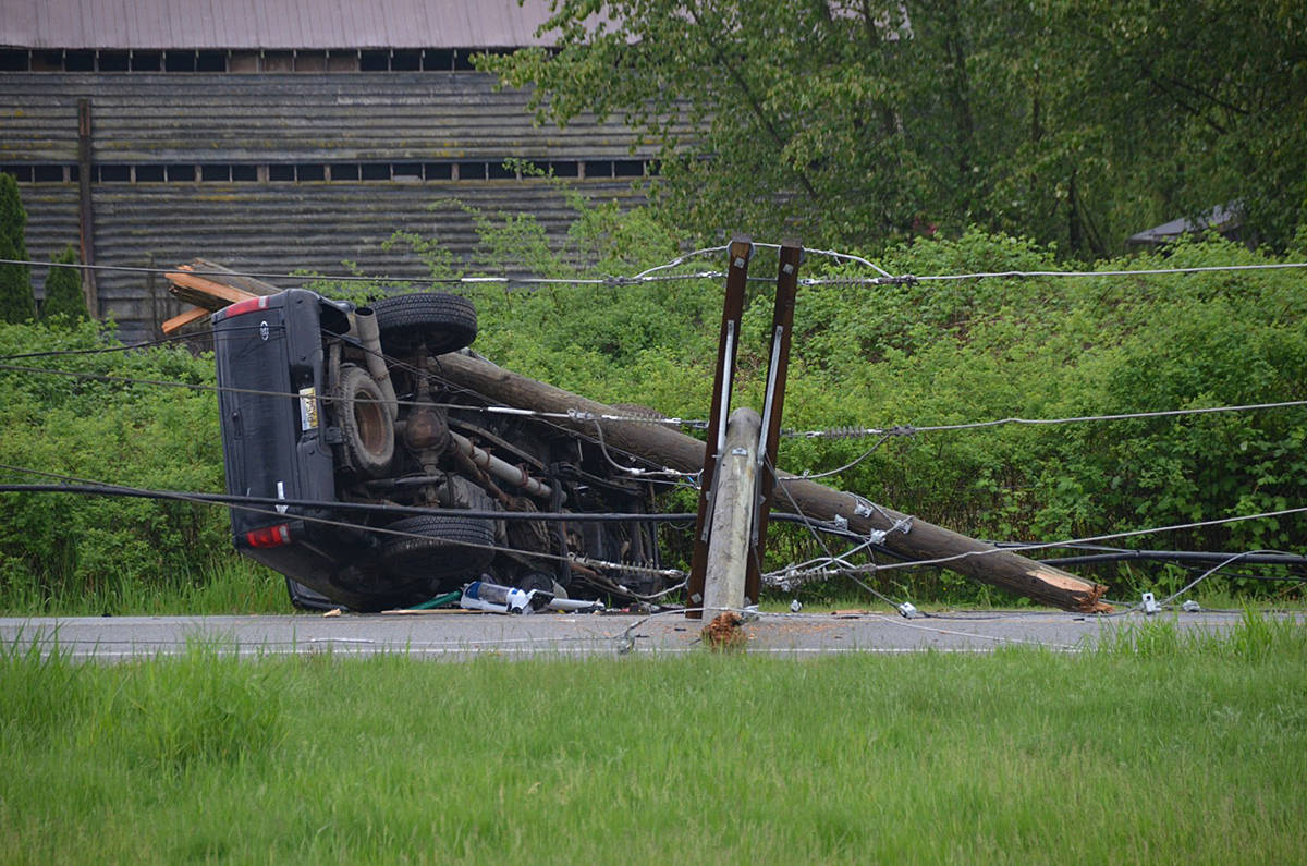 VIDEO: Rollover by freeway knocks out power, ties up traffic in rural Langley