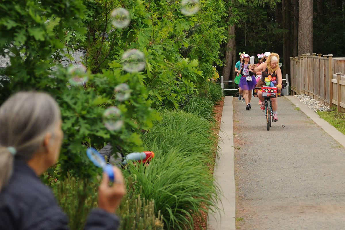 "Shelley Hatfield leads her team through the ""San Juasn't"" half marathon on Saturday, May 16, 2020. (Jenna Hauck/ The Progress)"