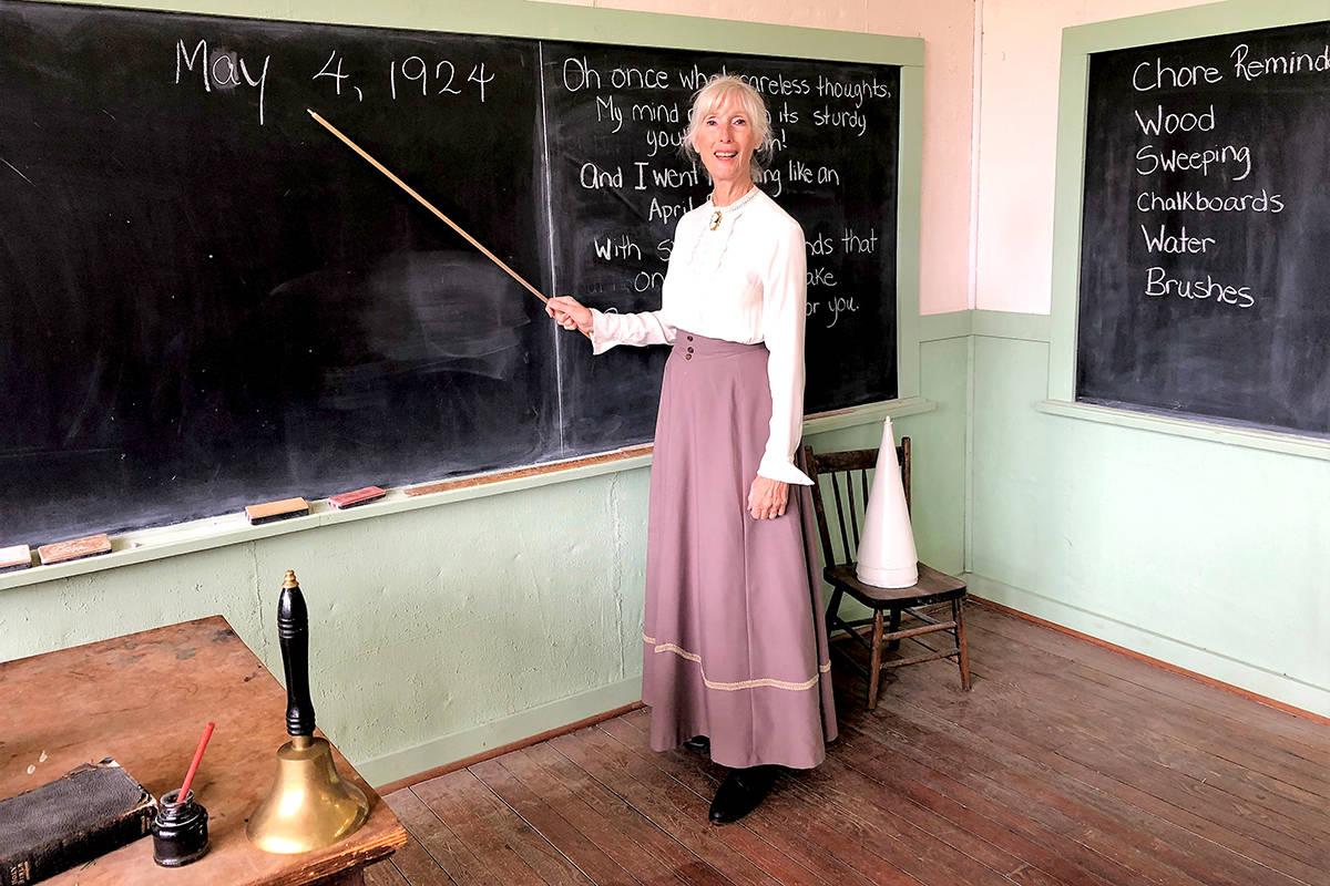 VIDEO: Schoolmarm gives tour of Langley's Lochiel classroom circa 1924