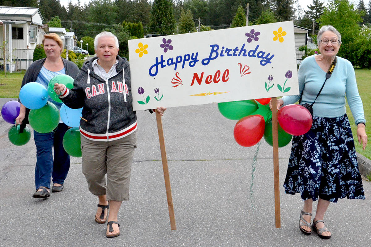 VIDEO: Nell Kunst turns 91 with a little help from her neighbours