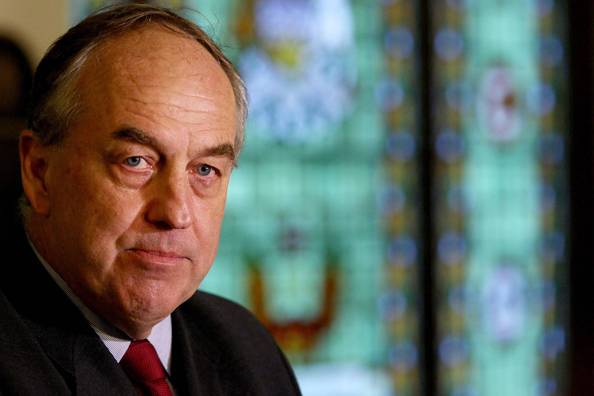 FILE – BC Green Party leader Andrew Weaver announces that he won't be running as leader in the next provincial election during a press conference at the Hall of Honour at B.C. Legislature in Victoria, B.C., on Monday, October 7, 2019. THE CANADIAN PRESS/Chad Hipolito