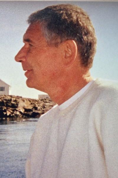 William Robert 'Bob' Menhenick