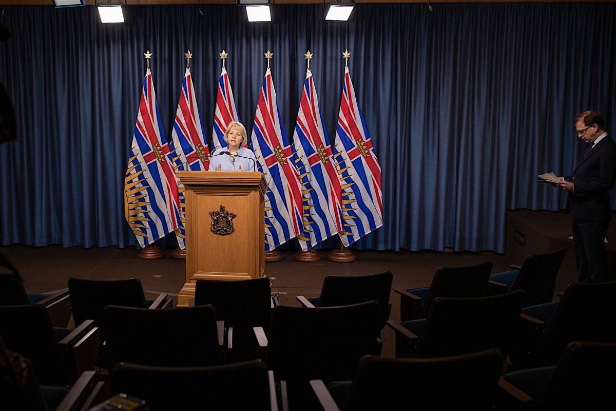 Provincial health officer Dr. Bonnie Henry and B.C. Health Minister Adrian Dix update the coronavirus pandemic situation, B.C. legislature, June 2, 2020. (B.C. government)