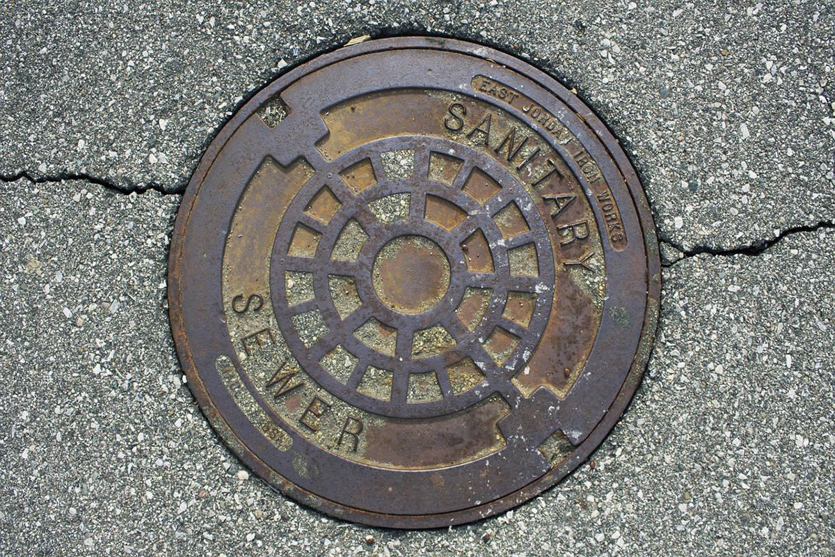 Manhole cover for sewer, sewage. (Pixabay)
