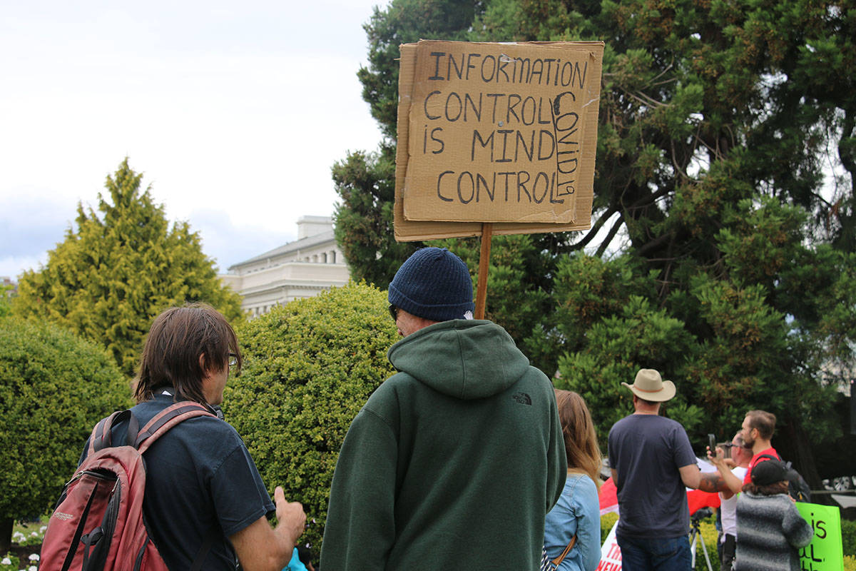 Another rally was held on the Legislature lawn called Unify the People. (Kendra Crighton/News Staff)