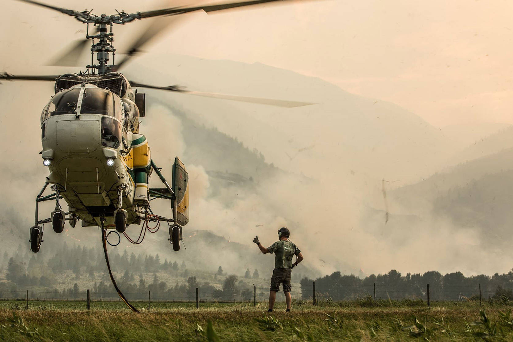 A BC Wildfire helicopter prepares for take off. (Joe Lebeau/Hashmark Photography)