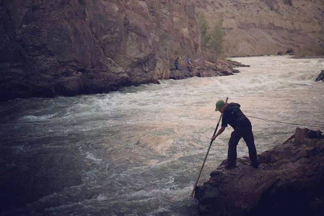 Tsilhqot'in First Nations have closed salmon fishing in their traditional territory due to conservation concerns. Tsilhqot'in First Nations, known as the River People, dipnet for salmon one at a time for their main food source, as seen here in recent years on the Chilcotin River.(Gailene William/Submitted)