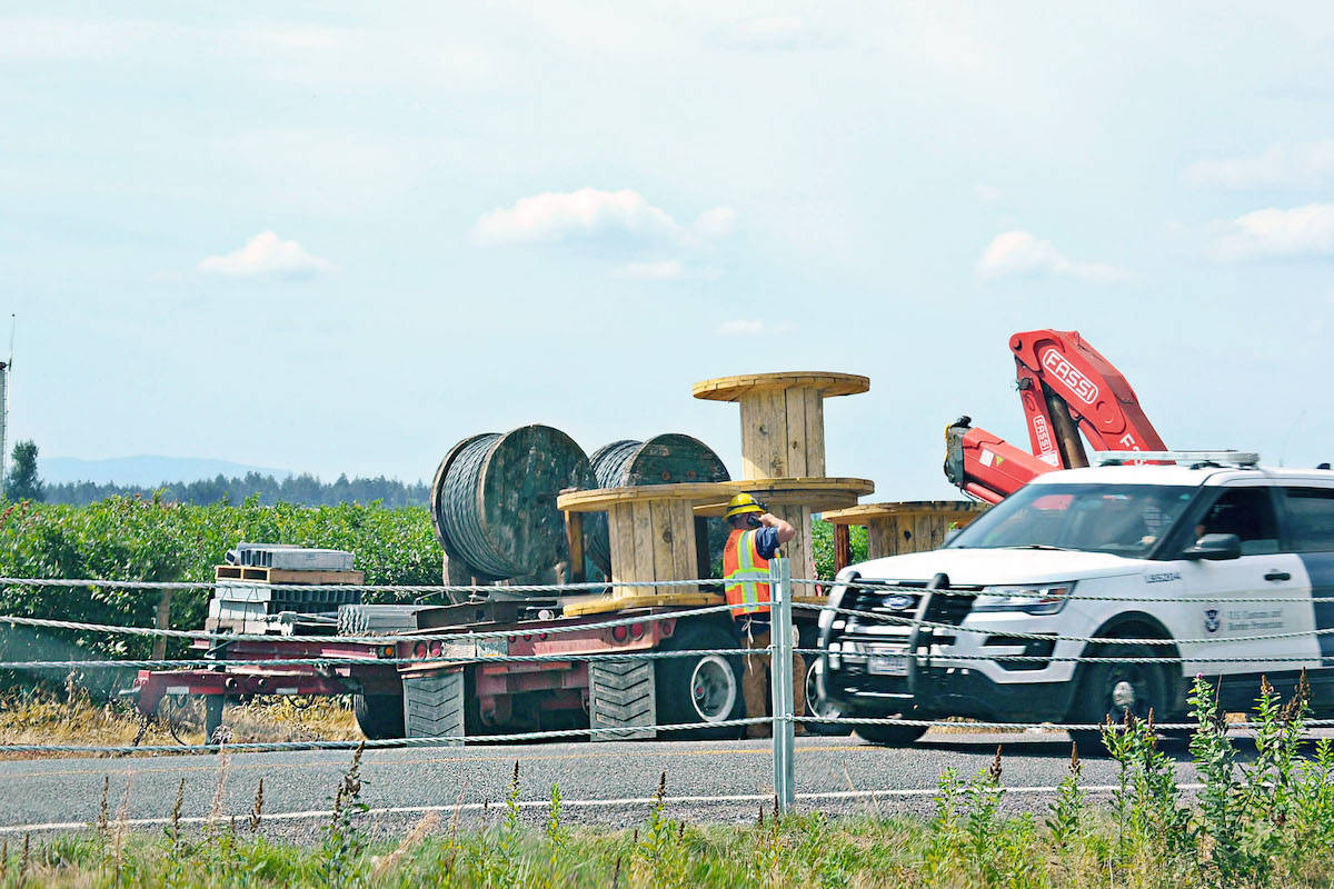 A 3.8-kilometre cable barrier was constructed by U.S. crews along Boundary Road at the U.S.-Canada border across from Aldergrove and Abbotsford last week, on Aug. 18 and 19. (Sarah Grochowski/Aldergrove Star)