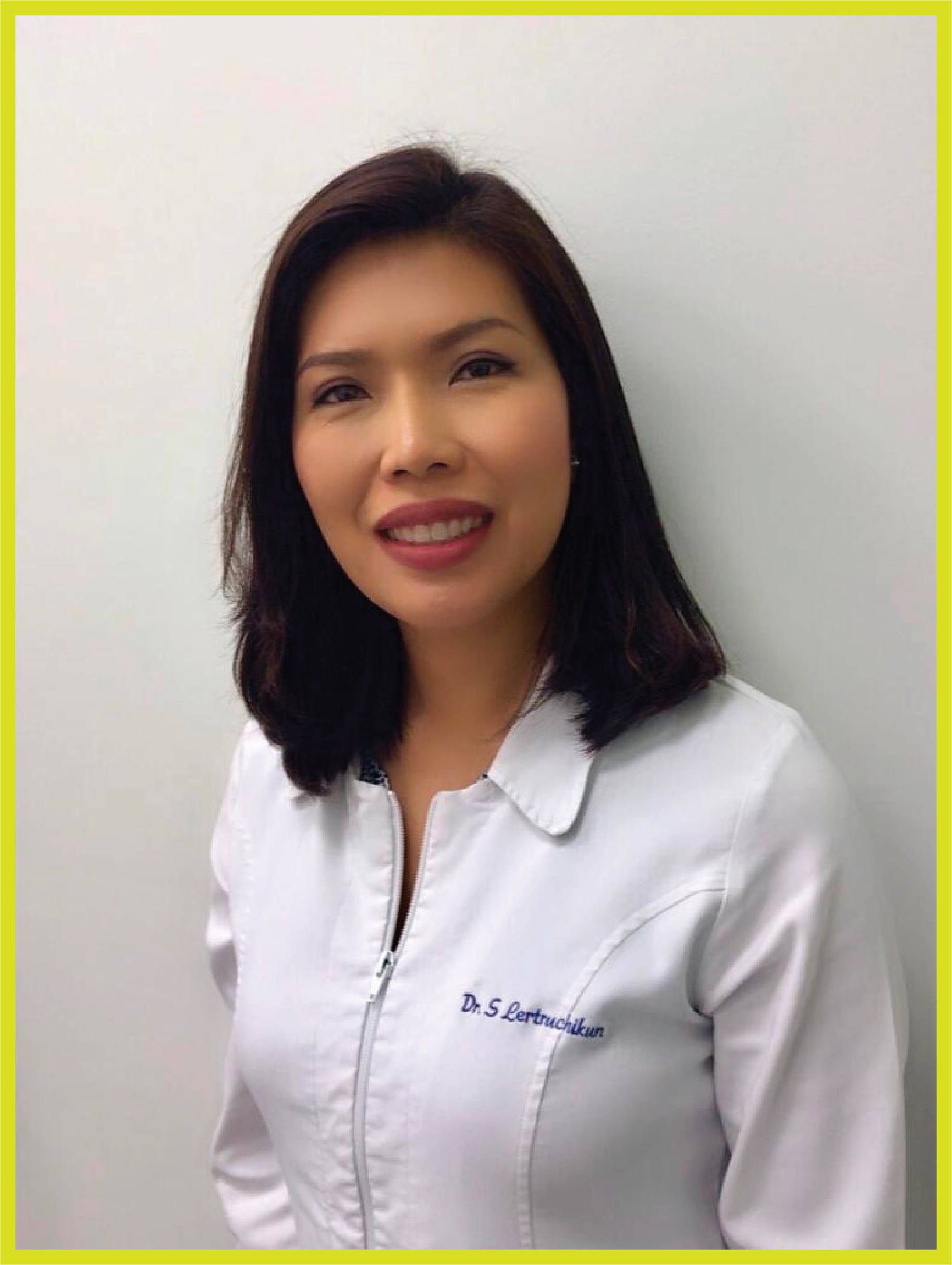 Ready to smile? Dr. Sophie Lertruchikun and the team at Willowbrook Dental Clinic will help you decide if Invisalign is right for you.