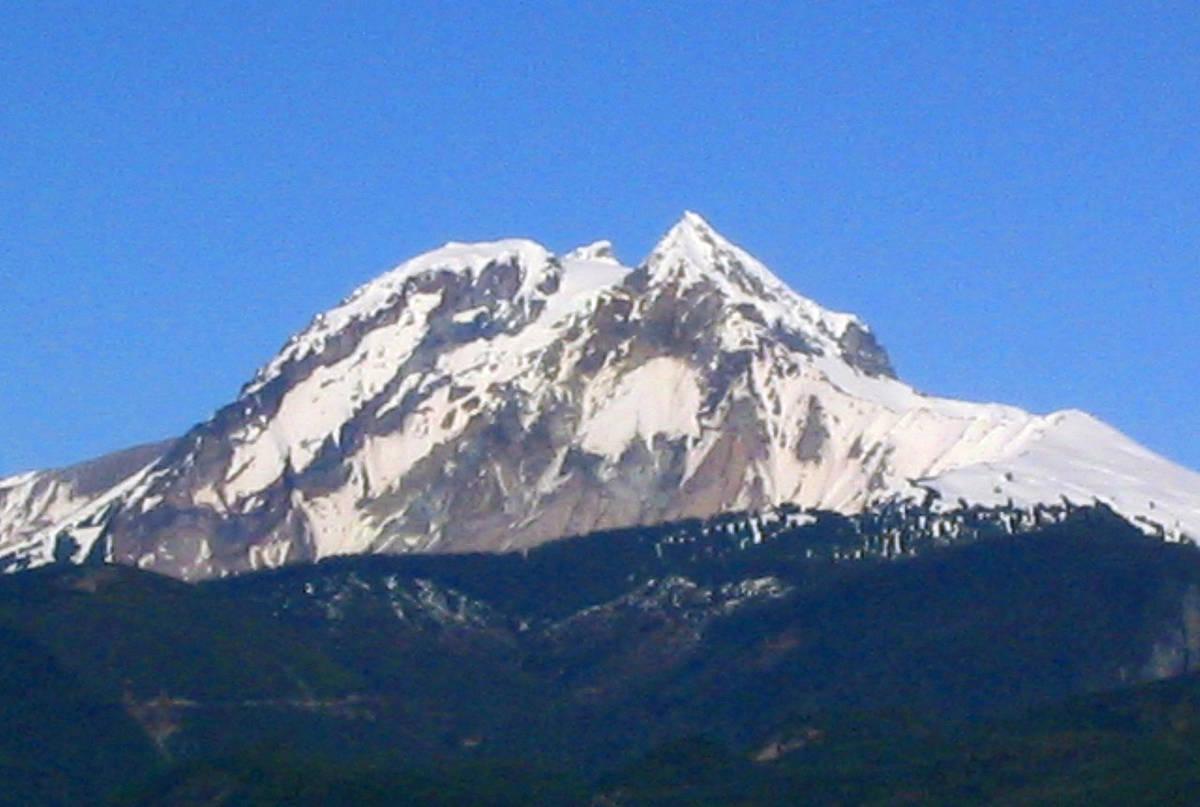 Mount Garibaldi (Wikimedia Commons)