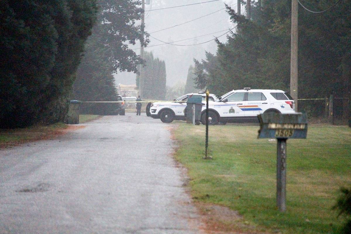 Police remained on the scene, in the 3400-block of 194 Street, Friday (Sept. 18) morning. (Tracy Holmes photo)