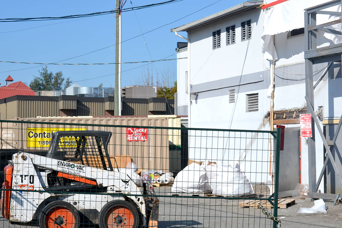 With a recently erected fence and its innards being gutted by the day, the Alder Inn will likely disappear by the end of October. (Ryan Uytdewilligen/Aldergrove Star)