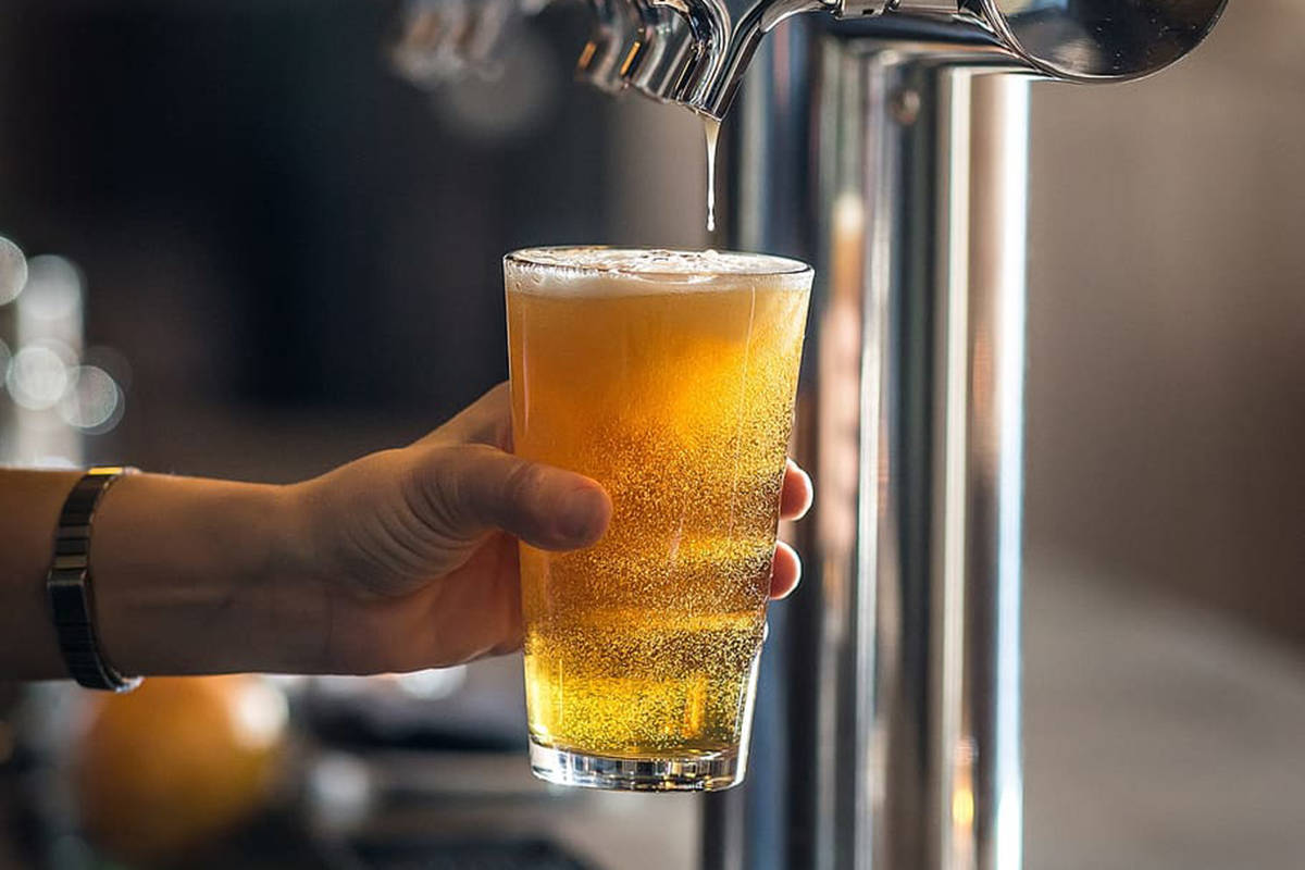 October is Craft Beer Month in British Columbia. How much do you know about this beverage? (pxfuel.com)