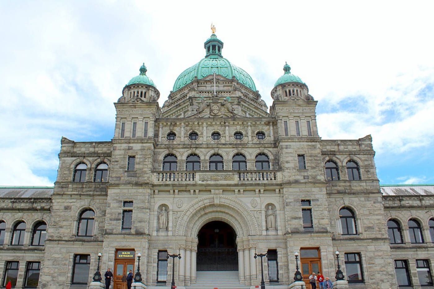 The B.C. Legislature. Will a knockout or a major screw up change B.C.'s government? (Black Press Media file photo)