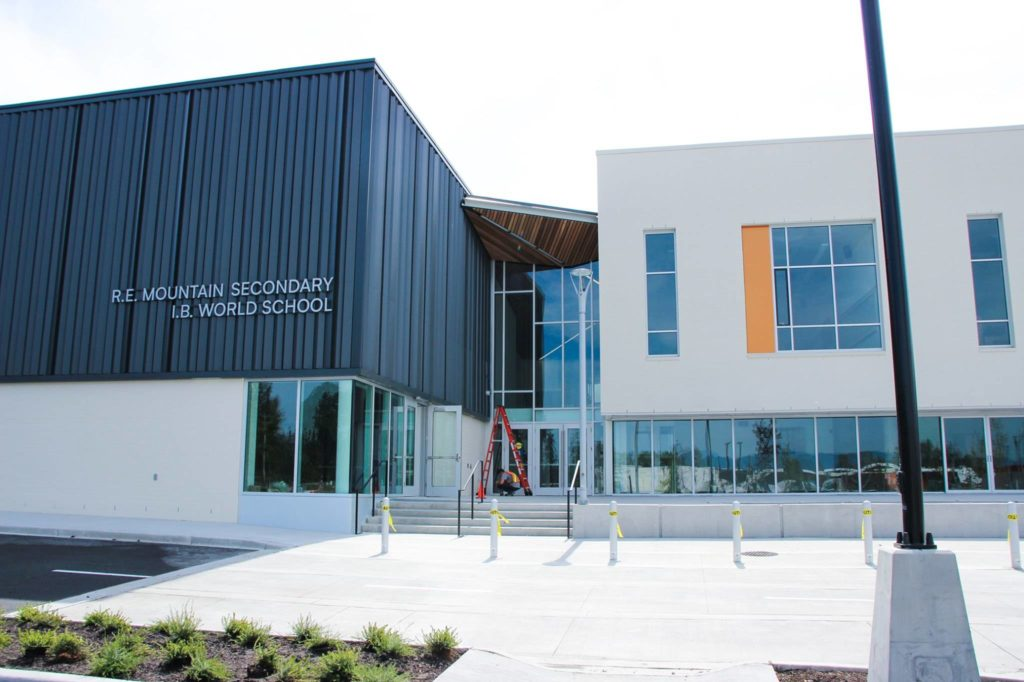 R.E. Mountain Secondary (Langley School District)