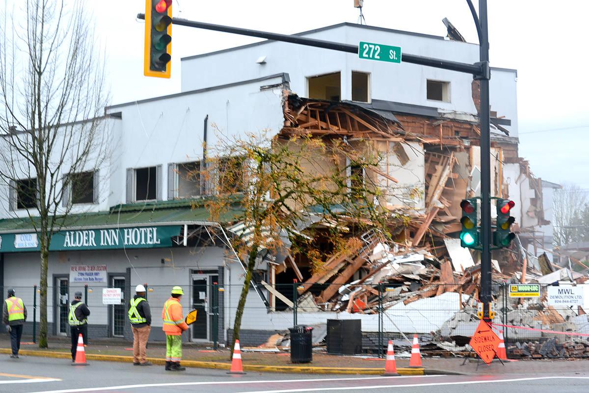The Alder Inn undergoes demolition on Monday, Nov. 16. (Ryan Uytdewilligen/Aldergrove Star)