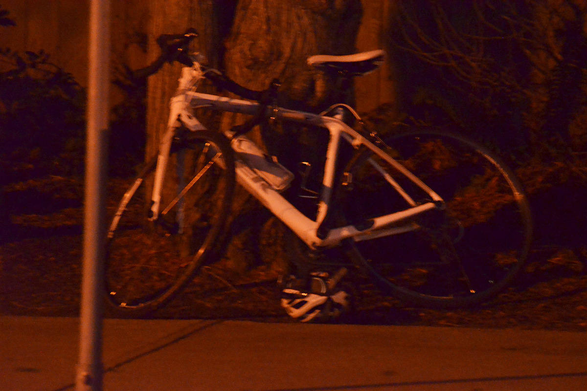 A bicycle near the scene of an apparent accident on the Willoughby Slope on Friday, Nov. 27. (Matthew Claxton/Langley Advance Times)