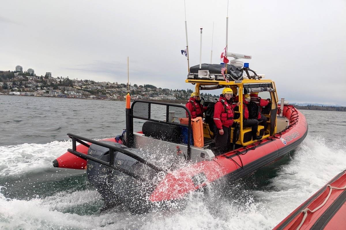 An RCM-SAR5 team in operation off the shores of White Rock. (Contributed photo)