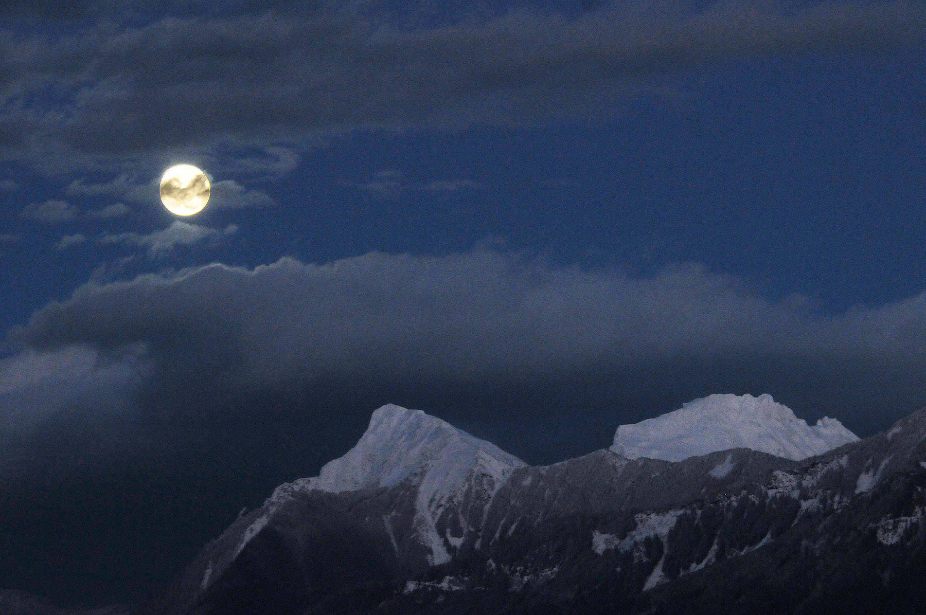 A snow moon rises over Mt. Cheam in Chilliwack on Feb. 8, 2020. Friday, Dec. 11, 2020 is Mountain Day. (Jenna Hauck/ Chilliwack Progress file)
