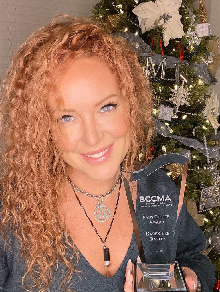 Karen Lee Batten brings home the BCCMA's 2020 fans' choice award. (Special to Langley Advance Times)