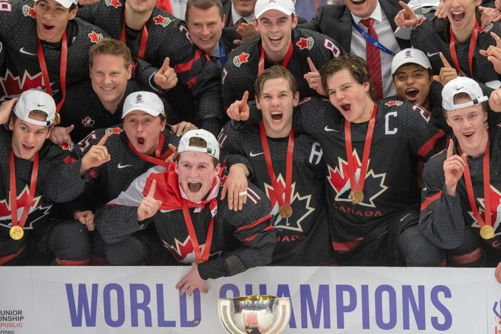 Team Canada celebrates after defeating Russia in the gold medal game at the World Junior Hockey Championships in Ostrava, Czech Republic, Sunday, Jan. 5, 2020. The Canadian junior hockey team says it will resume its selection camp on Tuesday after completing a 14-day quarantine. THE CANADIAN PRESS/Ryan Remiorz