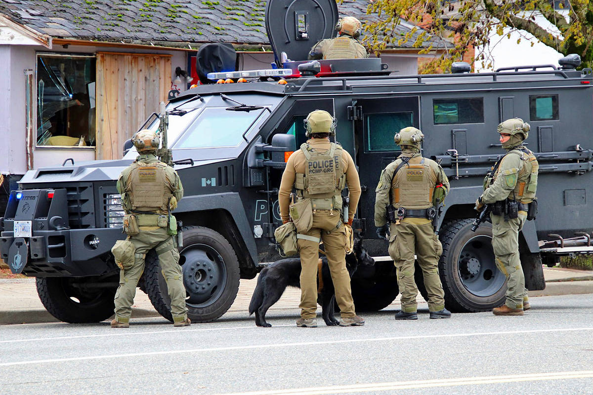 Members of the emergency response team were on scene outside of a house on Clearbrook Road, between Oak Avenue and Peardonville Road, on Thursday afternoon (Dec. 10). (Shane MacKichan photo)