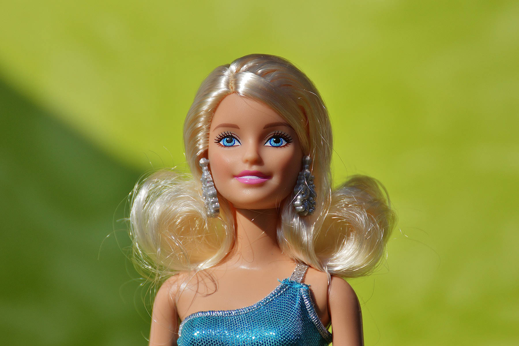 Barbie has a middle name (and a last name too.) Do you know this iconic doll's middle name. (Pixabay.com)