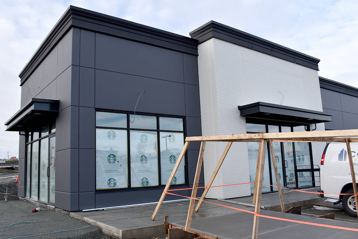 The new Starbucks on Livingstone Avenue in west Abbotsford is set to open in early-2021. (Ben Lypka/Abbotsford News)