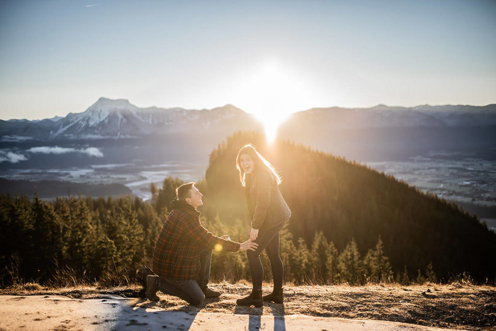 Johan Dekker shocked not just his girlfriend, Mallie Moore, when he proposed atop Mount Woodside, but also photographer Emily Peter who happened to be in the right place at the right time on Saturday, Dec. 12, 2020. (Emily Peter Photography)