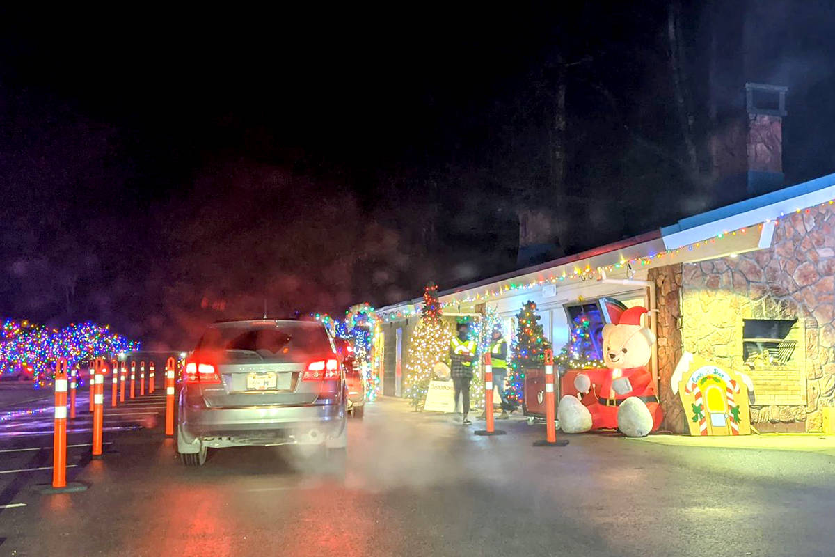 Long lines have prompted Christmas at Williams Park organizers to make reservation option online. (Mariana Aramburu/Special to The Star)