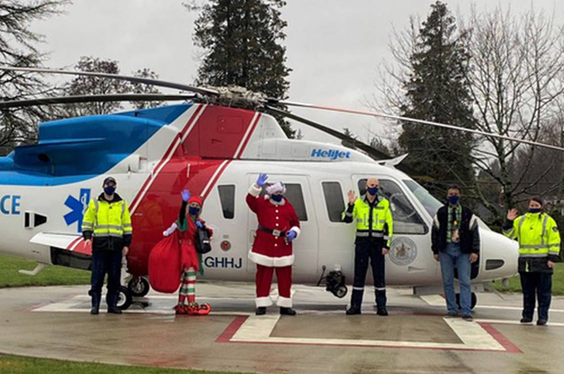 Santa flying with BC EHS to visit hospitals around B.C. on Dec. 22, 2020. (BC EHS/Twitter)