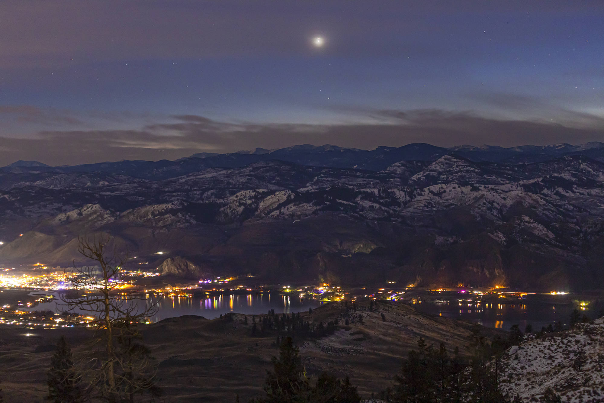 Okanagan resident Debra Ceravelo grabbed this photo of the planetary conjunction of Jupiter and Saturn Dec. 20, 2020. (Submitted)