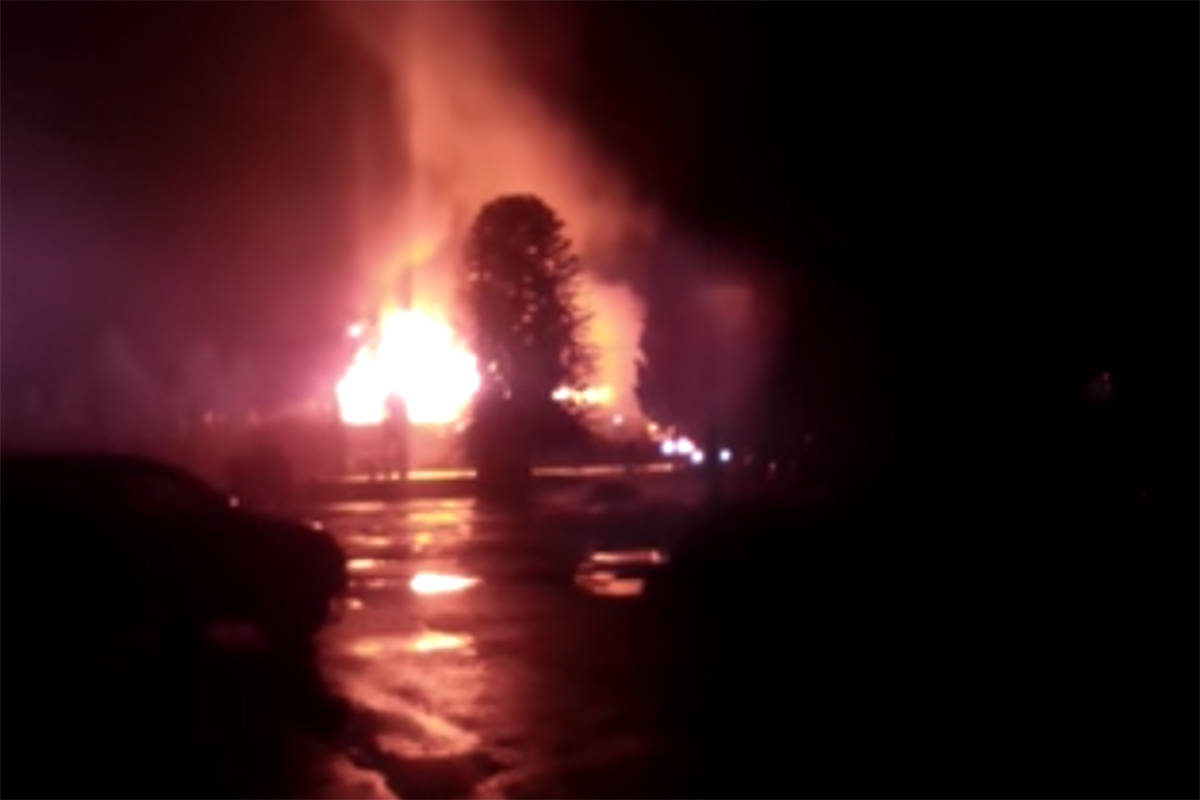 Witnesses report the Art Infiniti Hotel in Maple Ridge is on fire Thursday, Dec. 31, 2020. (Daphne Craysler/Special to The News)