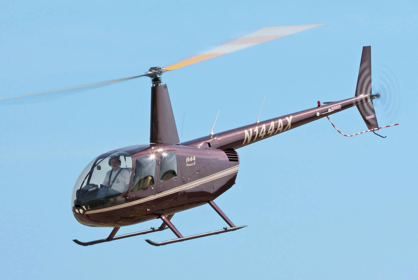 A Robinson R44 helicopter. (D. Miller - Flickr)