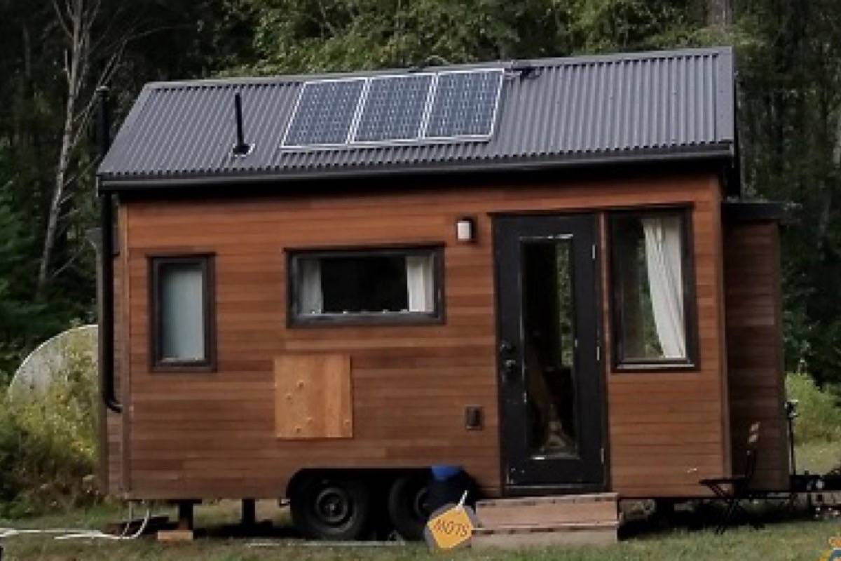 A tiny home stolen from a Fraser Canyon property south of Boston Bar has been recovered 100 kilometres north in Lillooet. (Emelie Peacock/Hope Standard)