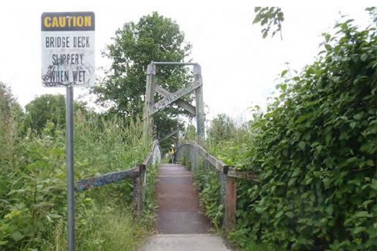 A report to Langley City Council says the 206A Street pedestrian overpass needs replacing (Langley City image)