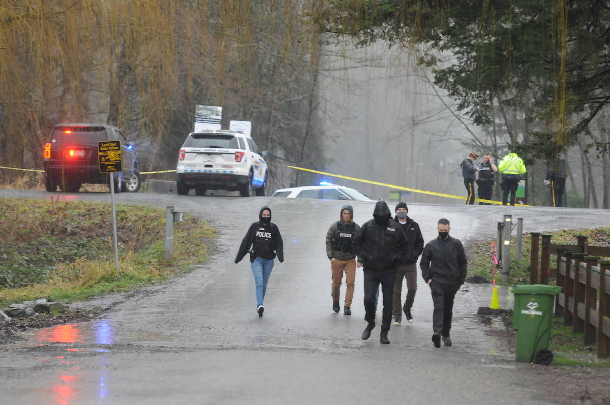 Chilliwack RCMP at the scene of a police incident after 9 a.m. on Tuesday, Jan. 12, 2021. (Jenna Hauck/ Chilliwack Progress)