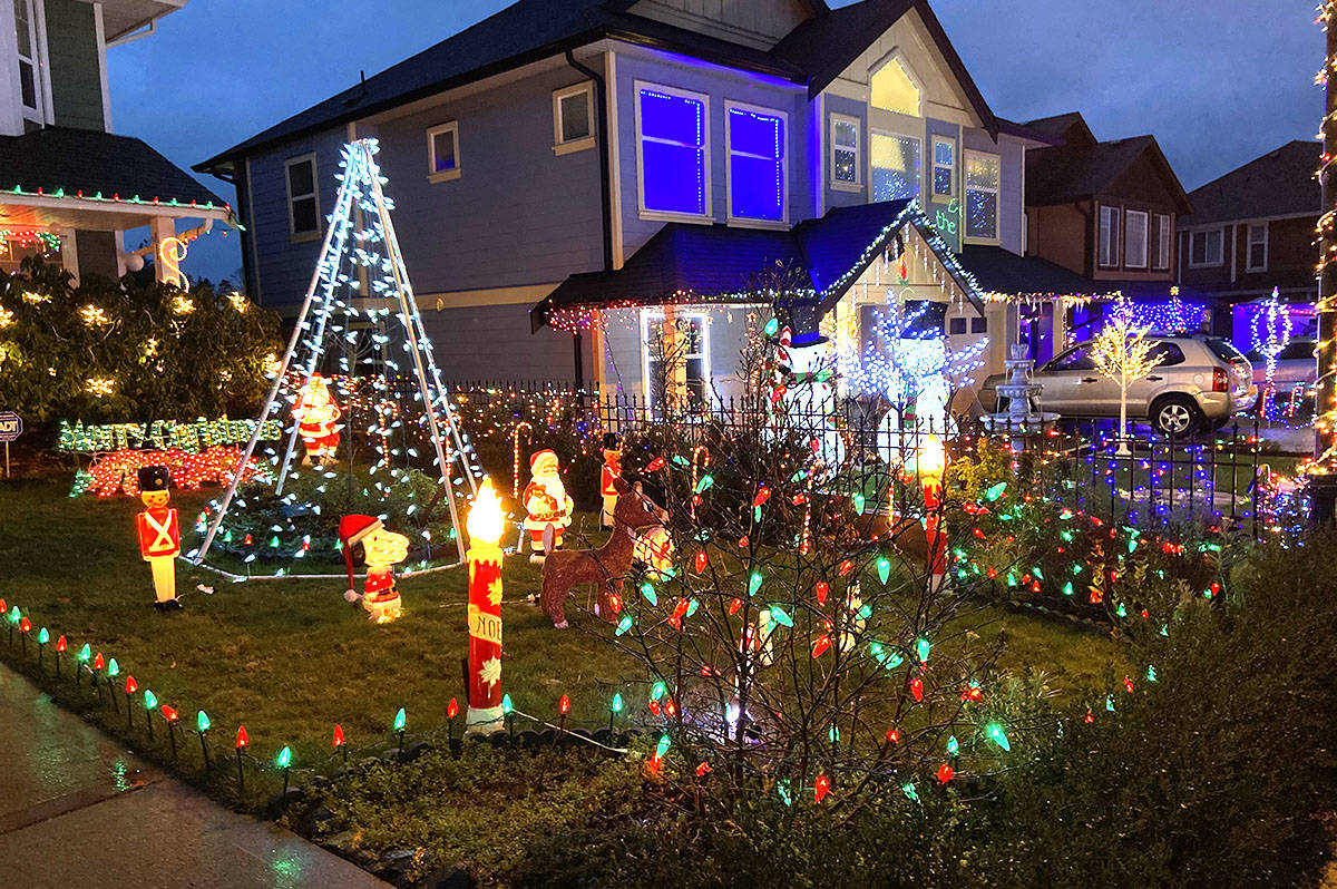 Christmas may be over, but many B.C. neighbourhoods are still shining bright with the glimmer of holiday decorations and lights into 2021. (Black Press Media files)