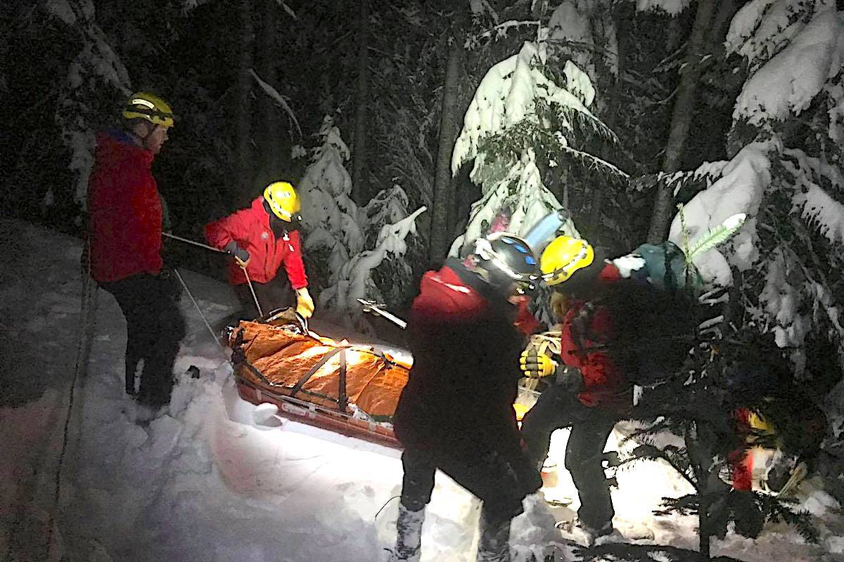 SAR crews worked late into the night Tuesday to rescue an injured snowboarder in North Vancouver. (Facebook/North Shore Rescue)