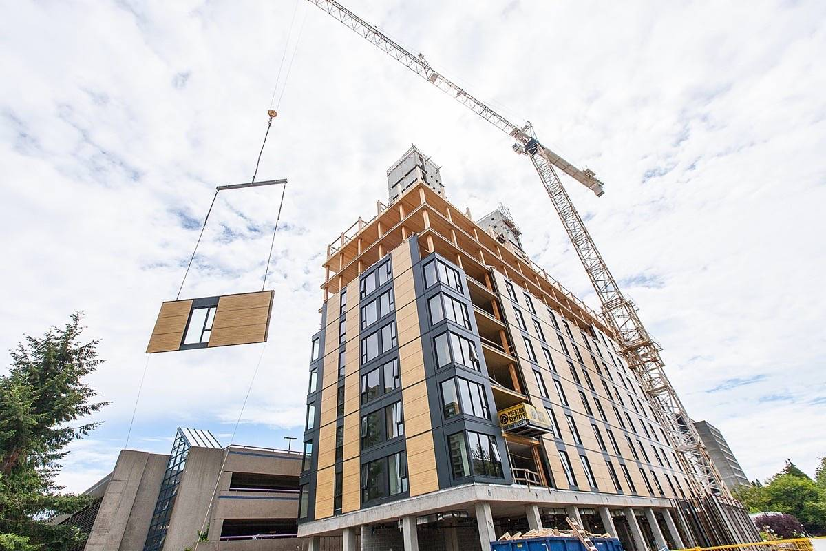 Construction of Brock Commons student residence at UBC using mass timber technology, 2016. One of the new micro-credential courses offered at BCIT is an introduction to mass timber. (FPInnovations photo)