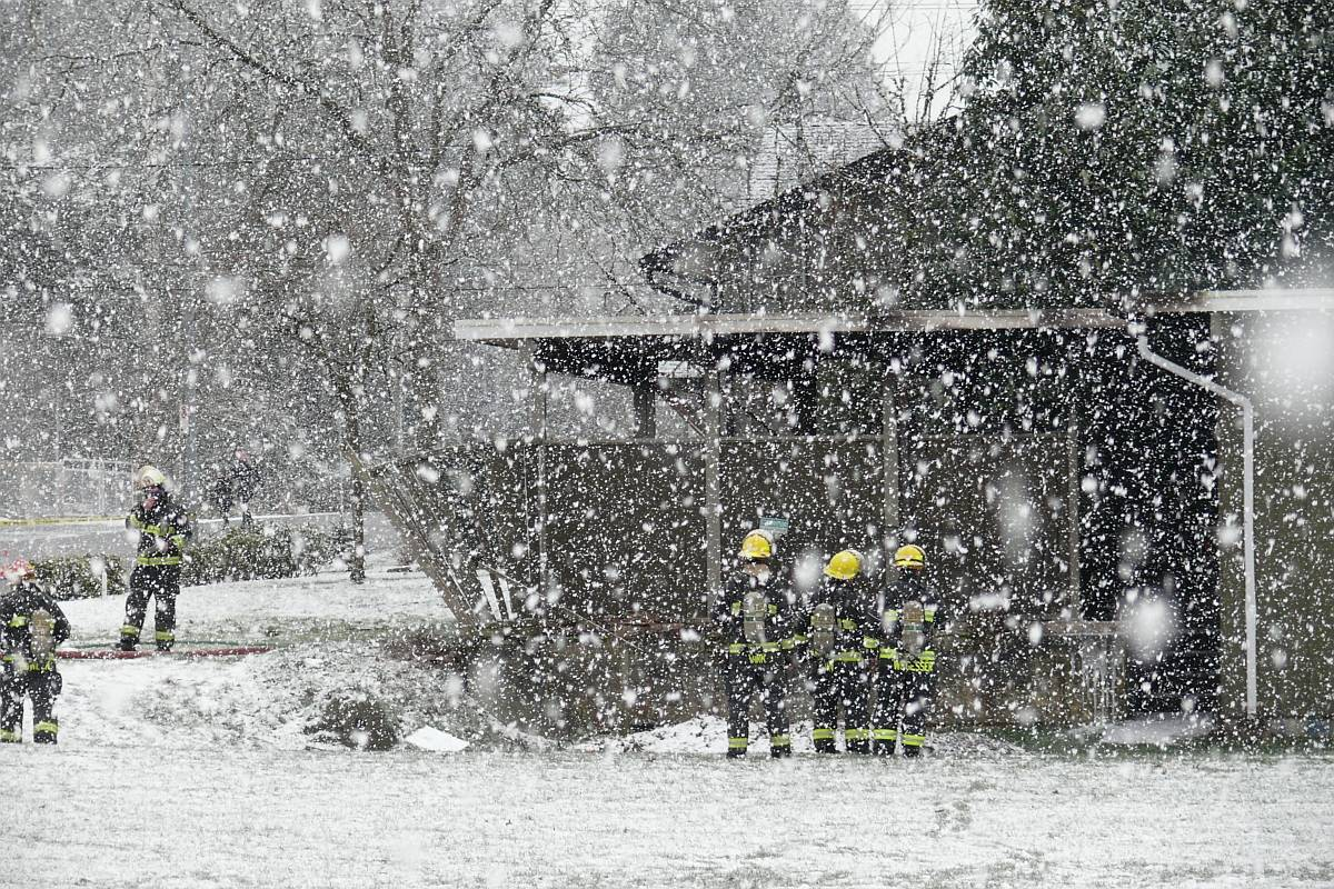Multiple Langley Township fire department crews were called to the scene of a structure fire in Fort Langley on Sunday afternoon, Feb. 14, 2021 near Mary Avenue and Church Street. (Dan Ferguson/Langley Advance Times)
