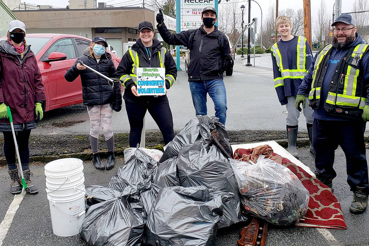Eleven bags of litter along 200th Street was collected by seven volunteers on the weekend. (Jocelyn Titus/Special to The Star)