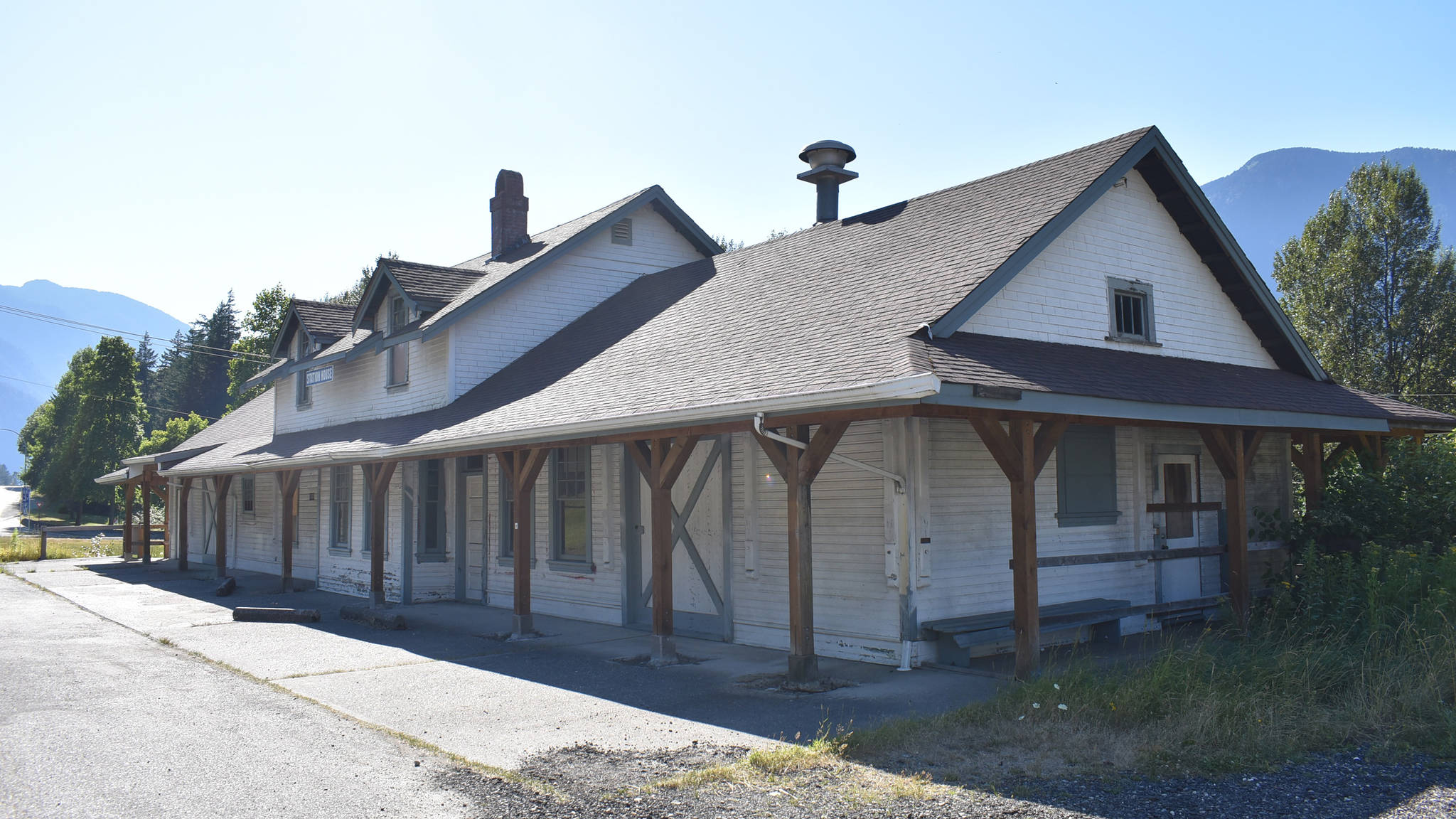 Hope's station house, moved from its original location along the railroad to 111 Old Hope Princeton Way. (Emelie Peacock/Hope Standard)