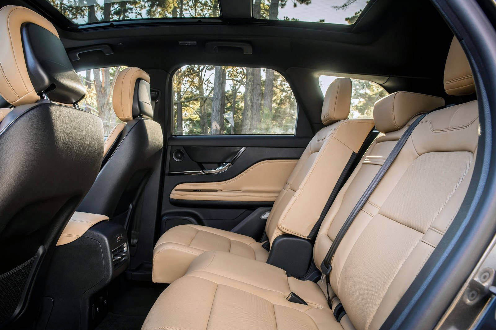 The Corsair is not a large vehicle, so the rear seat moves fore and aft up to 15 centimetres to suit the moment, whether cargo or rear-seat legroom is the priority. PHOTO: LINCOLN