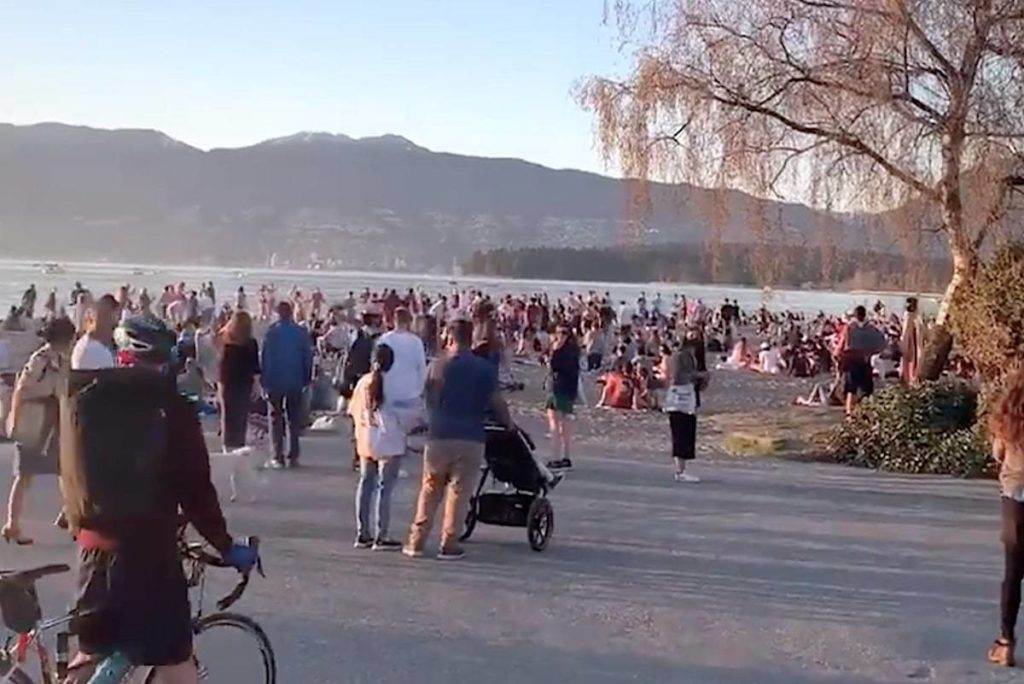 """Vancouver resident Beryl Pye was witness to a """"concerning,"""" spontaneous dance party that spread throughout social groups at Kitsilano Beach on April 16. (Screen grab/Beryl Pye)"""