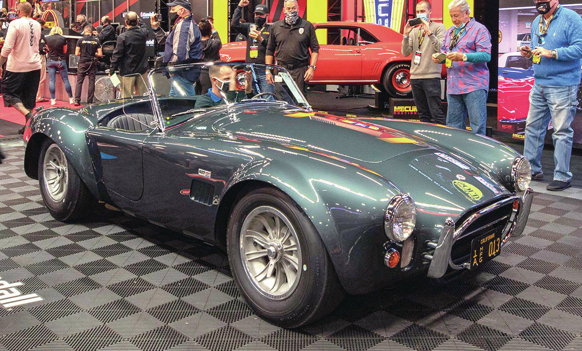 Carroll Shelby's 1965 427 Cobra roadster sells for nearly US $6 million. PHOTO: MECUM AUCTIONS