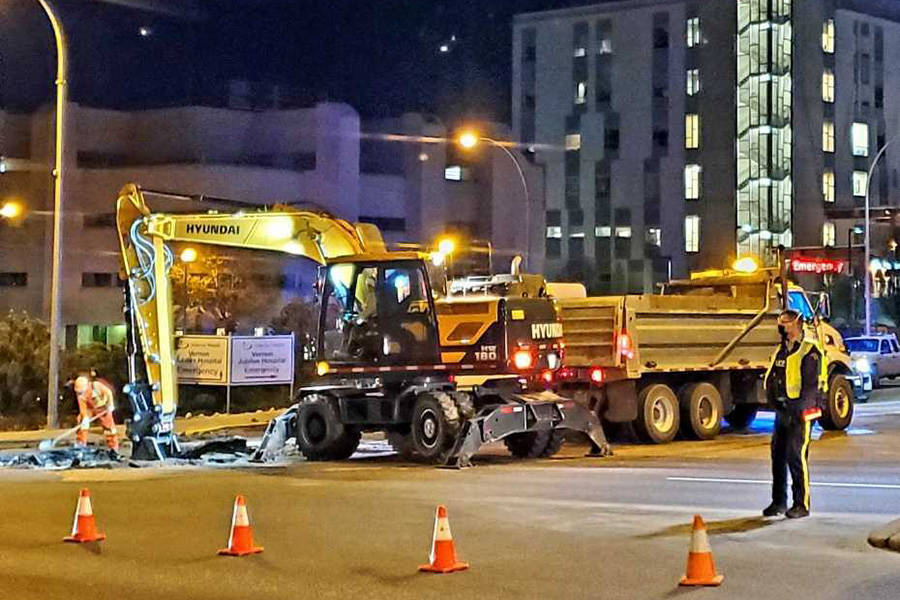 Crews work through the night Tuesday, April 27, on a sinkhole that appeared in Vernon on Hospital Hill at 32nd Street and 21st Avenue, the intersection to Vernon Jubilee Hospital. The highway through Vernon was closed in both directions. (Kerry Hutter photos)