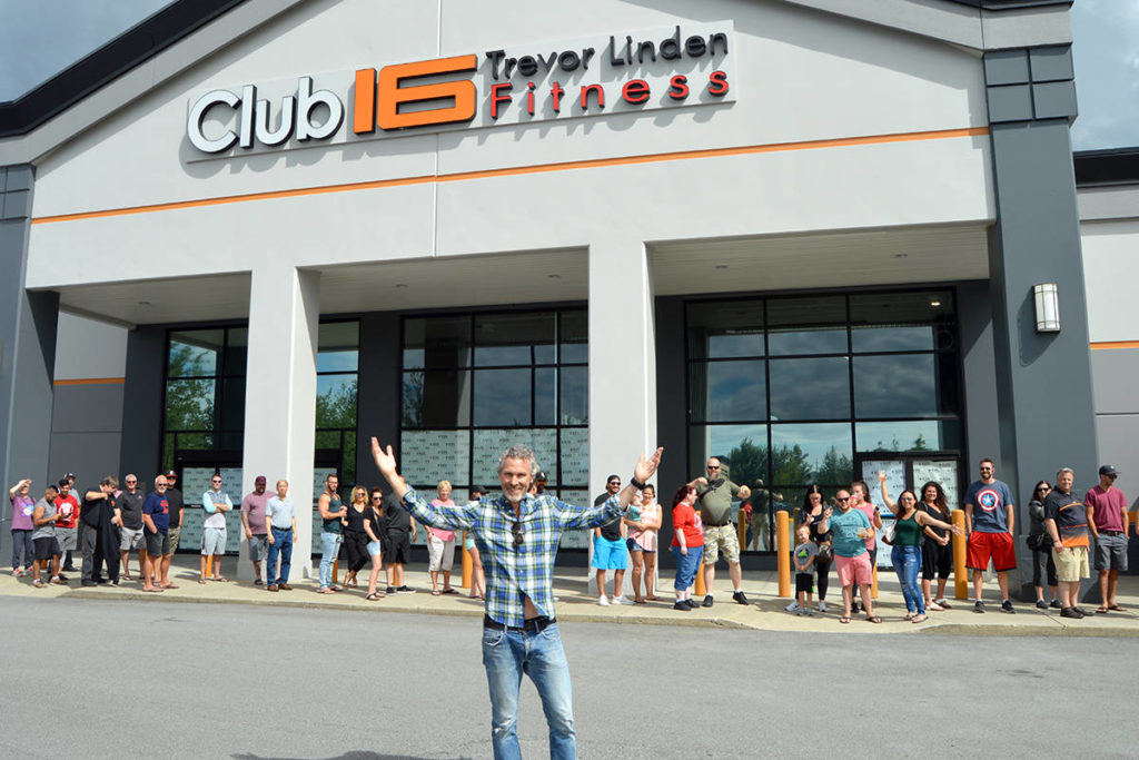 Trevor Linden stopped in Langley in 2019 to meet people signing up for a membership at the Club 16 gym. It has now been put under a temporary COVID-19 closure order. (Langley Advance Times files)